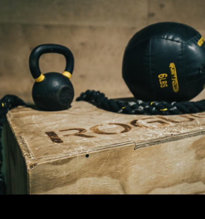 Become more physically well rounded with crossfit training